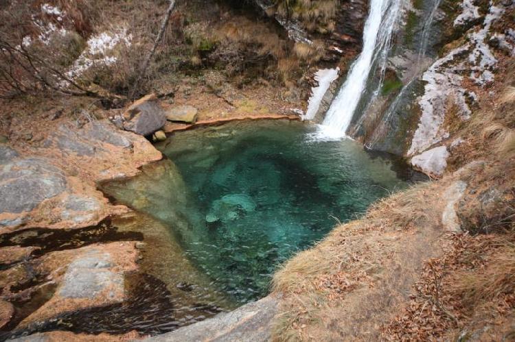 Cascata Gran Guarf nei pressi del rifugio Geat Val Gravio