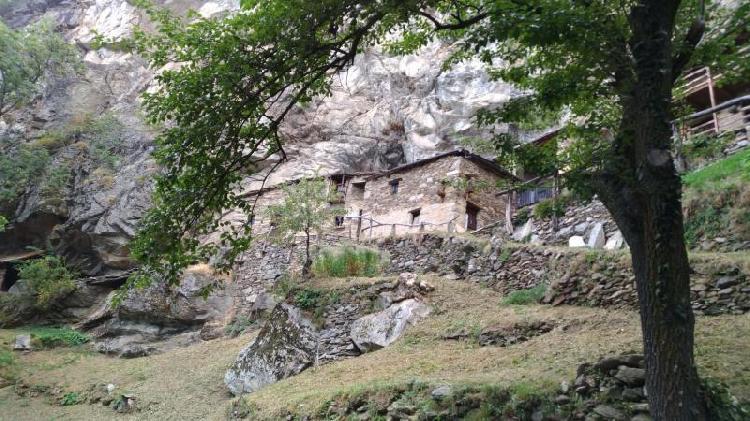 Barma Monastira